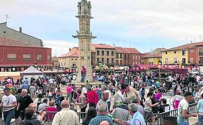 Villalón cierra el Mercado Comarcal con récord de 5.000 visitantes