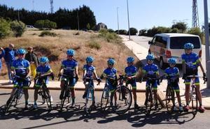 La Escuela de Ciclismo Salmantina brilla en Guijuelo con un triple podio