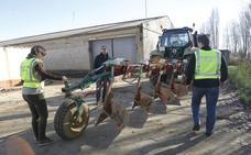 Juzgan en Valladolid a tres vecinos de Coslada por robos en naves agrícolas de Medina de Rioseco