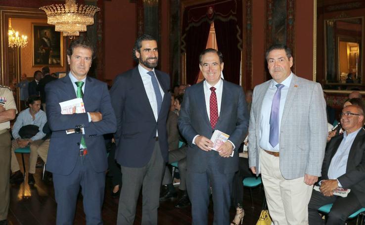 Antonio Huertas e Iñaki Ortega presentan el libro 'La revolución de las canas' en el Aula de Cultura de El Norte de Castilla