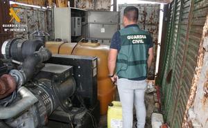 Roban unos 550 litros de gasóleo y derraman otros 500 al forzar el depósito que los contenía en Escalona del Prado