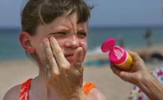 Cinco claves para elegir el mejor protector solar para las pieles infantiles
