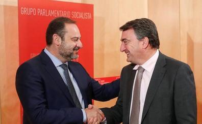 El PSOE contempla ya el voto secesionista y no descarta tener ministros de Podemos