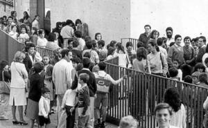 El colegio La Aneja, pionero en la educación sin libros, cumple medio siglo