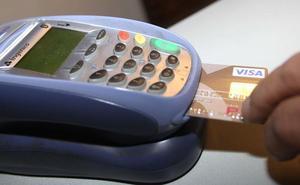 Detenida una cajera en Valladolid por sustraer la numeración de tarjetas bancarias en su puesto de trabajo para estafar