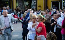 Son del baile de mayores de Salamanca en La Alamedilla.