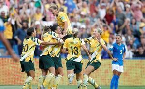 Australia tira de heroica y mete en problemas a Brasil