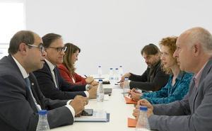 PP y Ciudadanos presentan un acuerdo con 62 medidas concretas para gobernar en Salamanca