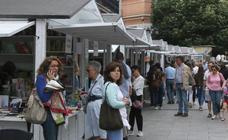 Feria del Libro en la Avenida del Acueducto