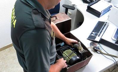 Roba una máquina de esquilar eléctrica en una explotación de Chañe y se la vende a un ganadero de Valladolid