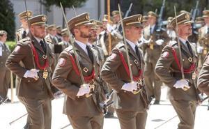 Cordón rojo, cordón blanco para los cadetes de Valladolid