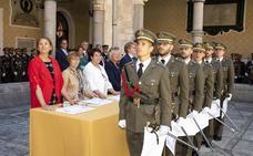 La ciudad despide con el título de Segovianos Honorarios a dos nuevas promociones de artilleros