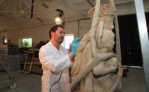 El Ayuntamiento colocará la réplica de la Virgen del Acueducto la próxima semana