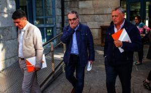 Los concejales de Ciudadanos en Burgos son recibidos con gritos y tienen que ser escoltados