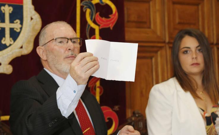 Mario Simón es elegido nuevo alcalde de Palencia