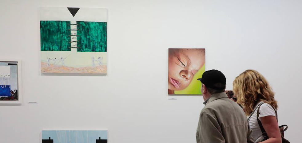 Una exposición colectiva aboga por 'sentir' antes que 'comprender'