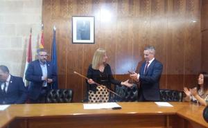 El apoyo de Ciudadanos da la mayoría absoluta a PP y nombra alcaldesa a Concepción Miguélez