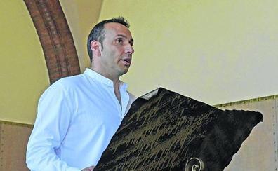 Dos votos del PP al PSOE rompen el empate en Coca y dan el bastón al socialista Mariano Herrero