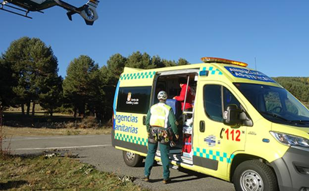 Ambulancia y Guardia Civil /Guardia Civil