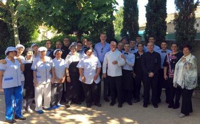Felipe VI recuerda a Ramiro Minguela en Torrecaballeros