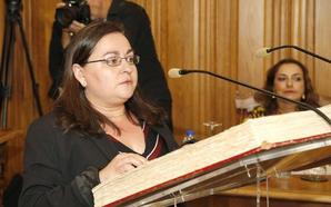 La concejala de Ganemos Palencia renuncia a la medalla y otros distintivos