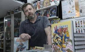 Carlos Pacheco: «Los cómics han perdido parte del territorio popular del tebeo»