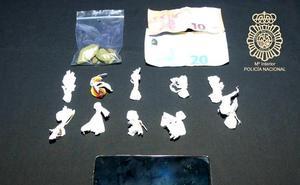 Detenido con diez envoltorios de cocaína y uno de hachís en una zona de fiesta de Salamanca