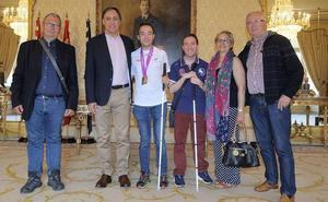 Recepción al arquero invidente Daniel Martín Anaya tras lograr la medalla de bronce en el Mundial