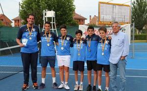 El Club Tenis Alba de Tormes también se proclama campeón autonómico en infantil masculino