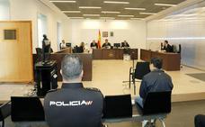 El acusado de obligar en Palencia a una niña a tocarle el pene acepta dos años de prisión