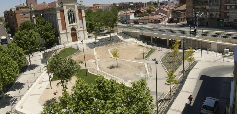 Los vecinos reclaman más limpieza en el paso de Rafael Cano