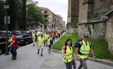 Más de 100 personas parten en al Marcha Nocturna a Cabrera