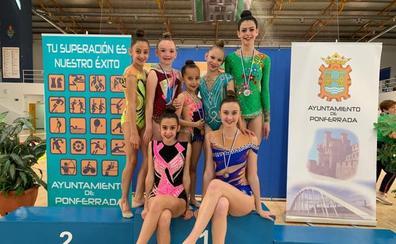 Colección de medallas para el Club Rítmica Salamanca en el Campeonato de Castilla y León
