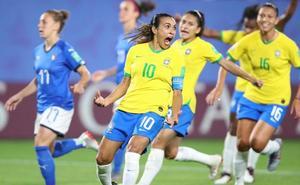 Marta mete en octavos a Brasil