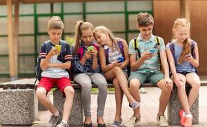 La Policía Nacional acredita como 'ciberexpert@s' a 115 alumnos de 6º de Primaria de dos colegios de Valladolid