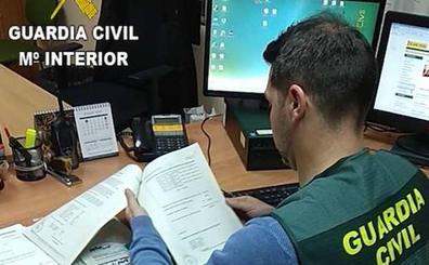 Dos detenidos en Tordesillas por intimidar a un hombre para que sacara dinero a punta de puñal