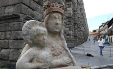 La réplica de la Virgen ya está en el Acueducto