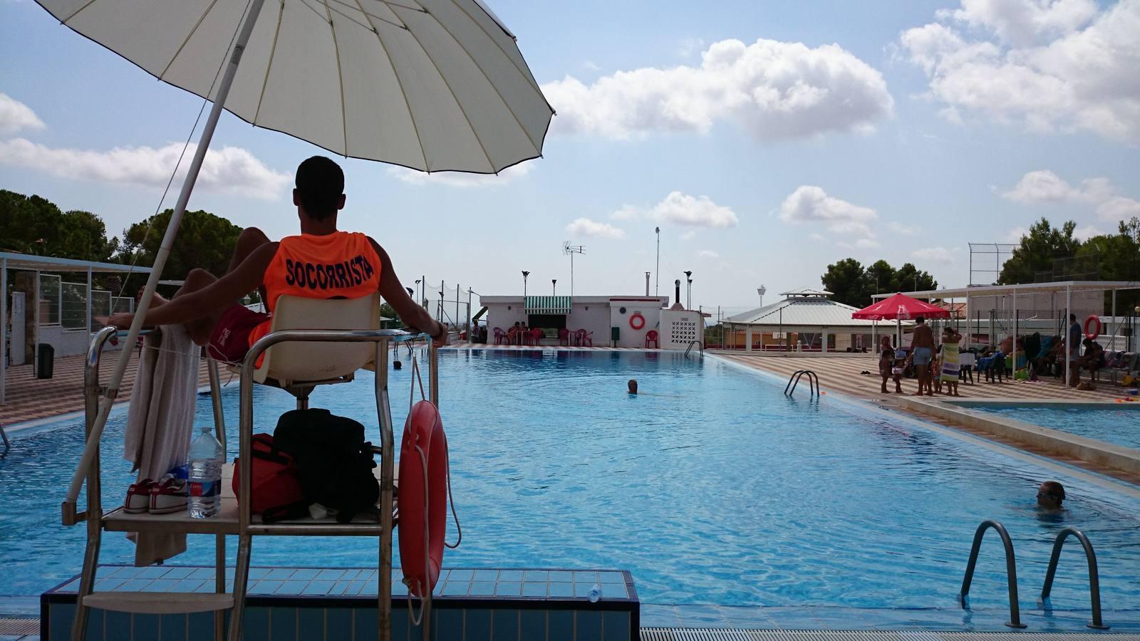 Consejos para evitar sustos en la piscina