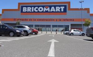 Detenidos con 2.600 euros robados en una mañana en tres grandes superficies de Valladolid