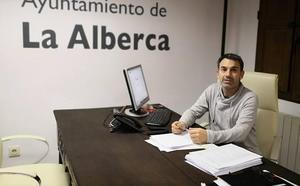 «Con la Feria del Libro el sábado completamos un fin de semana lleno de actividad en La Alberca»