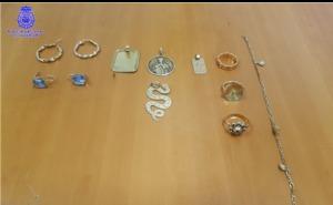 Detenida por robar 26.000 euros en dinero y joyas a una mujer de 89 años con alzhéimer