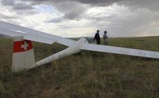 Aterrizaje forzoso de un planeador en las cercanías de la estación del AVE.