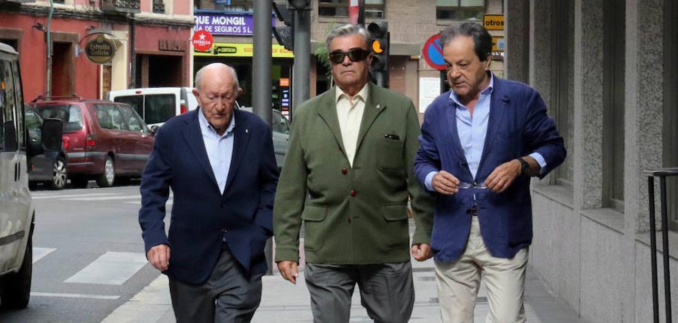 Alejandro Fernández reclama 30.000 euros a Pesquera por usar su imagen sin permiso