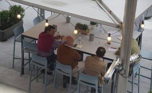 La dirección nacional del PP negocia en Valladolid el futuro de Carnero