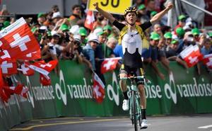 Tolhoek gana la sexta etapa y Bernal se coloca como nuevo líder