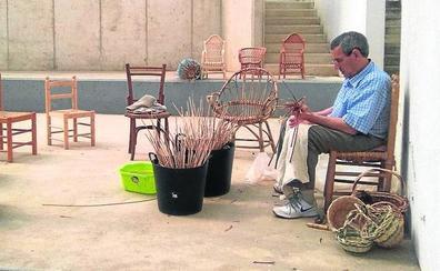 Más de 35 artesanos se reunirán mañana en la XXI Feria de Artesanía y Manualidades de Boecillo