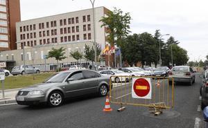 Las obras de la rotonda complican el acceso al Hospital Río Carrión