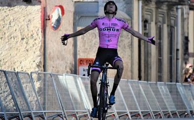 Iván Cobo se impone en la primera selección de la Vuelta a Segovia