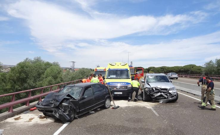 Fallece un hombre y su mujer resulta herida tras un accidente de tráfico en Puente Duero