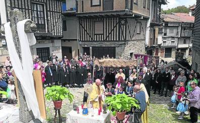 El Corpus Christi, una fiesta llena de autenticidad que sigue un protocolo en La Alberca